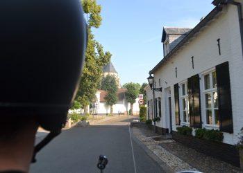 vrijgezellenfeest, Limburg, vriendendag, vriendinnendag, coronaproof uitje, Vespa scooter huren, weekendje weg, teamuitje, bedrijfsuitje, familiedag